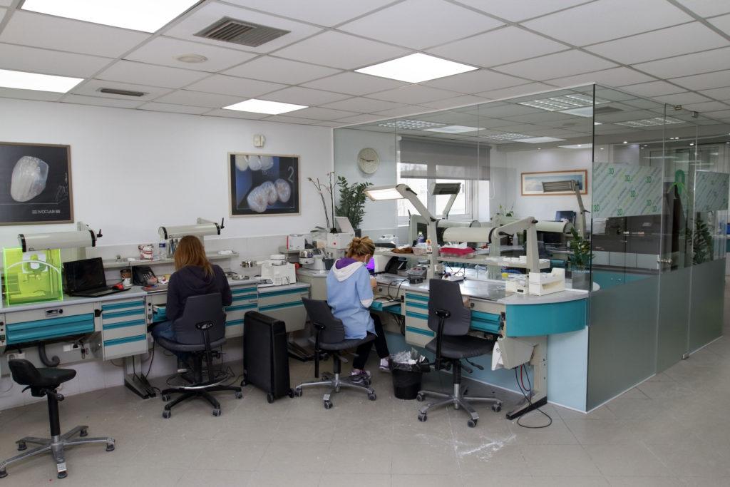 FnOrthodontics_lab